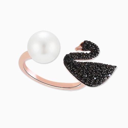 1045775 - <RI719_IA04>黒白鳥真珠キュービックリング