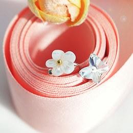 233512 - <EC050-S> [品切れ間近】白花&蝶耳カフ
