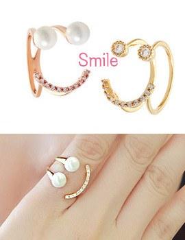 893744 - <RI392-S> [品切れ間近】幸せな笑顔キュービック・真珠リング