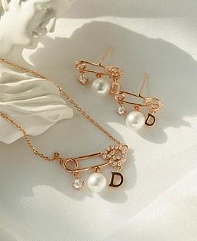 1049388 - <JS348_IF14> [ピアス+ネックレス] [シルバーチェーン] [银针】ユニクリップ型真珠セット