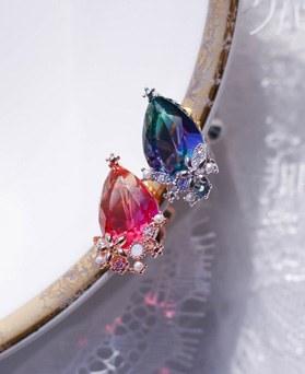 1049510 - <ER2215_GJ01>涙花clip earring